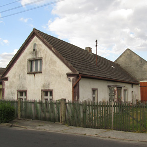 Jeden dom mniej