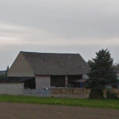Dach z symbolem krzyża w Ścigowie na ul. Opolskiej