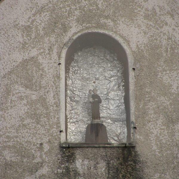 Figurka św. Antoniego, marzec 2010 r.