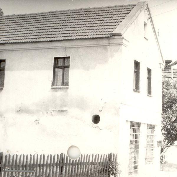 Winiarnia na fotografii z 1992 r. [Archiwum WUOZ w Opolu, fot. Maria Bitka]