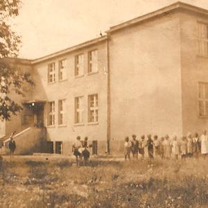 Rocznica wznowienia działalności szkoły w Smolarni
