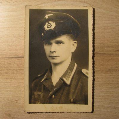 Zdjęcie opisane imieniem Viktor oraz rokiem 1944
