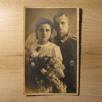 Viktor i jego żona w dniu ślubu