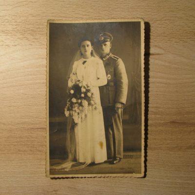 Zdjęcie ślubne opisane adresem zamieszkania Viktora