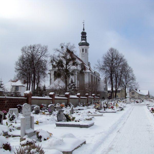 Cmentarz w zimową porą, styczeń 2009 r.